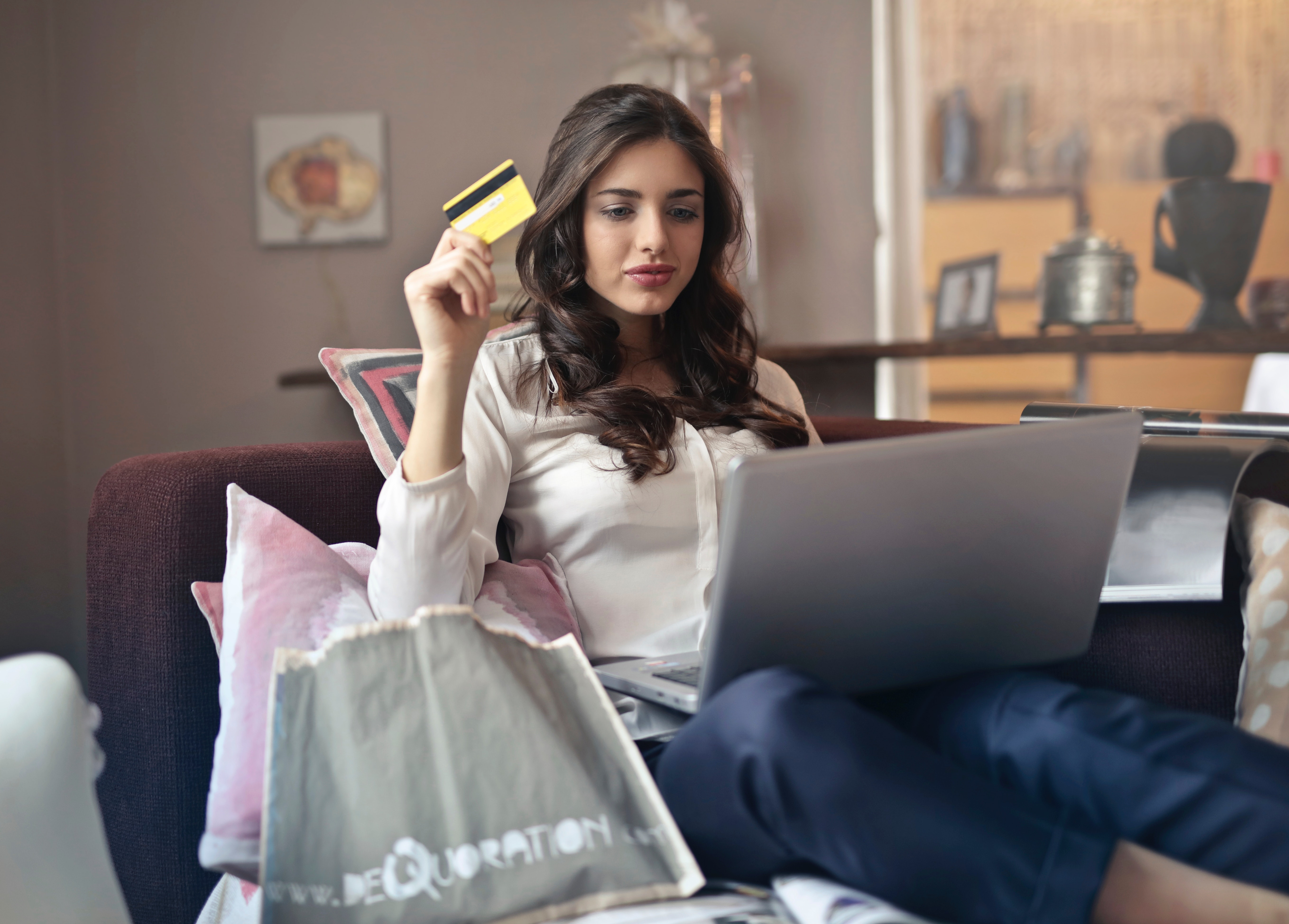 How to Avoid Overpaying While Shopping Online