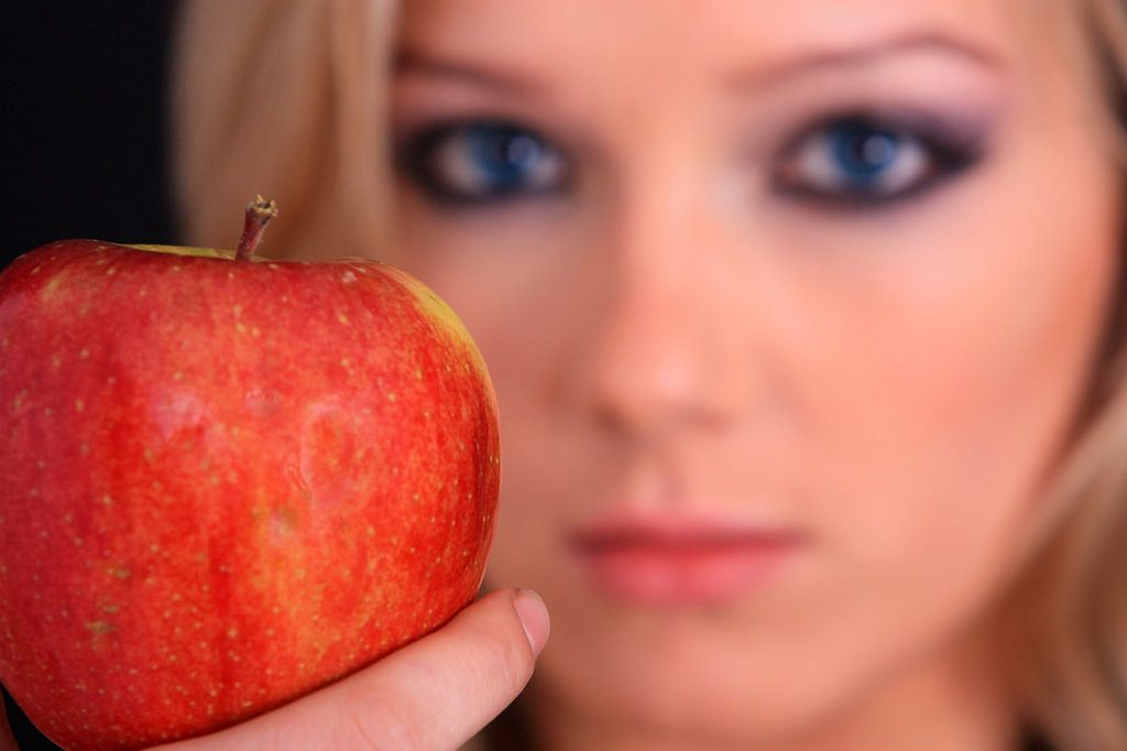 Top 5 Foods to Improve Eyesight & Other Eye Disorders