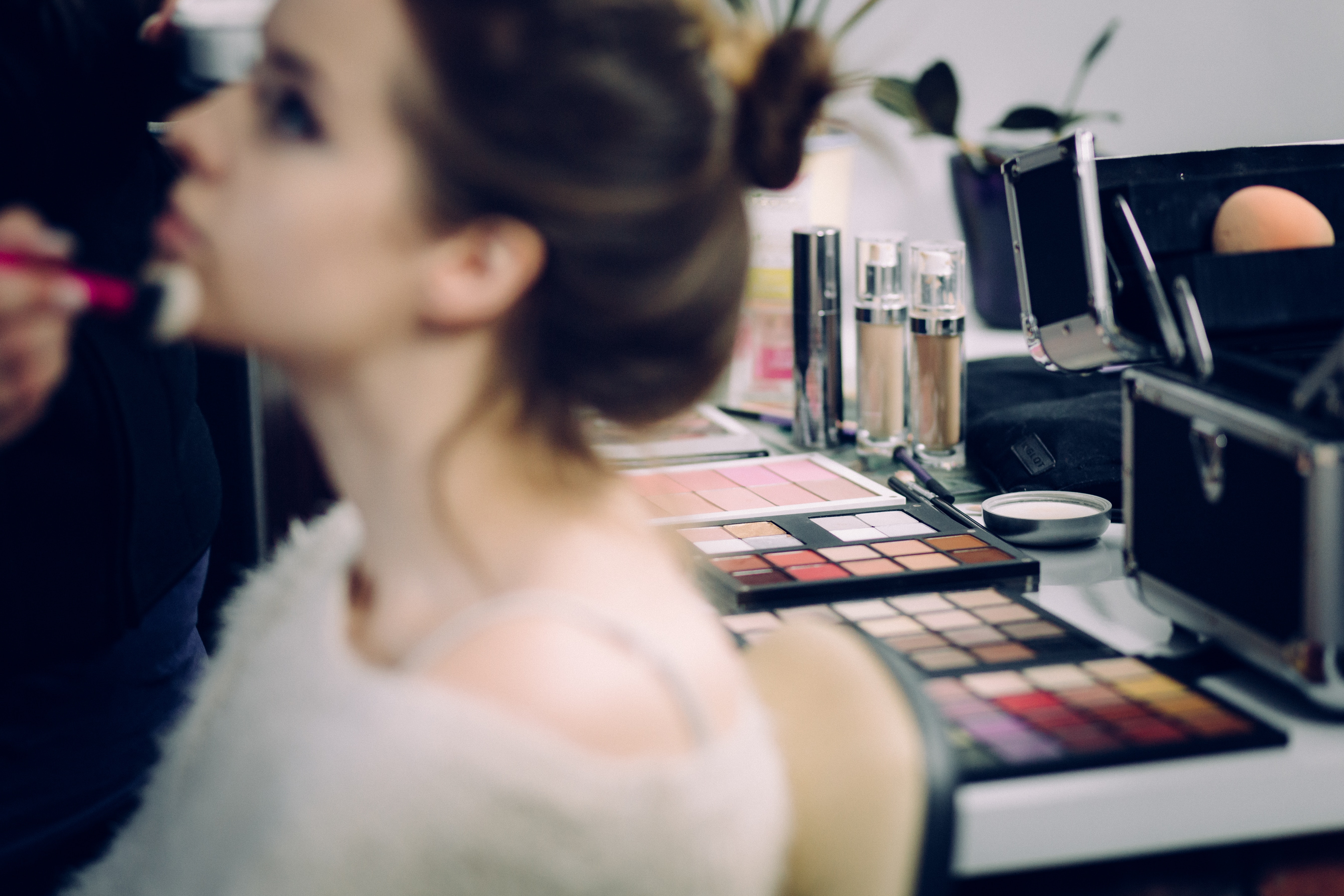 5- Minutes Makeup Hacks that Every Girl Should Know